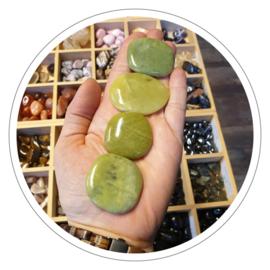 Jade olijf zaksteen