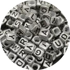 Letterkralen kubus zilver 100st