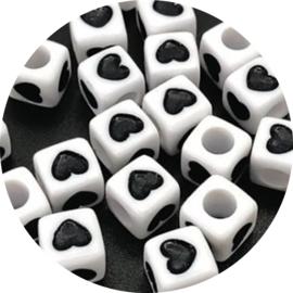 Letter hartjes kubus zwart