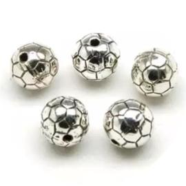 Kralen voetbal zilverkleurig 10st