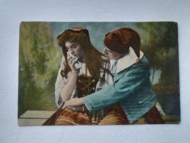 Ansichtkaart Huilende vrouw en troostende man
