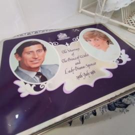 Blik - Cadburry.- Lady Diana en Prince Charles