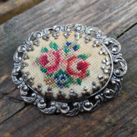 Broche Ovaal Petit Point Roos