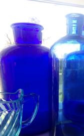 Kobalt blauwe apothekersfles