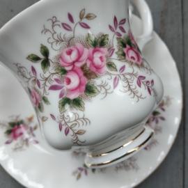 Lavender Rose- Kop en schotel - Damesmodel