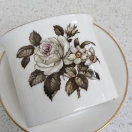 Royal Worcester white rose tandenstoker bakje