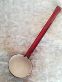 Emaille  Rood lepel met schenktuitje