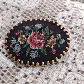 Broche Petit Point Roos
