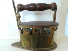Decoratief antiek strijkijzer - Koper