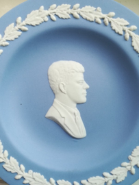 Wedgwood Jasper Blue bordje John F Kennedy