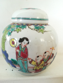 Gemberpot met vrouw - Made In China