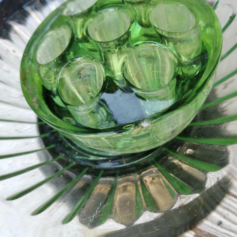 Art Deco glas groen rozenschaal