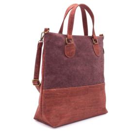 Donkerrode kurk handtas, gemaakt met veganistische kurkstof
