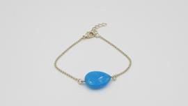Armband met een blauwe steen