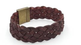 Roodbruin gevlochten lederen armband