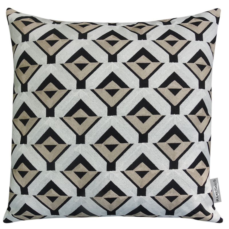 270 Pillow Pure Quadro 55x55 Geborduurd!