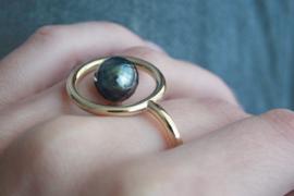 Halo - ring goud met gefacetteerde Tahiti parel