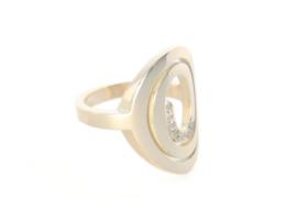 Spiraal ring van eigen goud en diamantjes