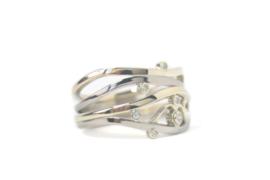 Nieuwe ring van oud goud en diamant