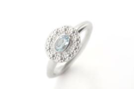 Ring 'Bloemenkrans Ovaal Sky Blue Topaas'