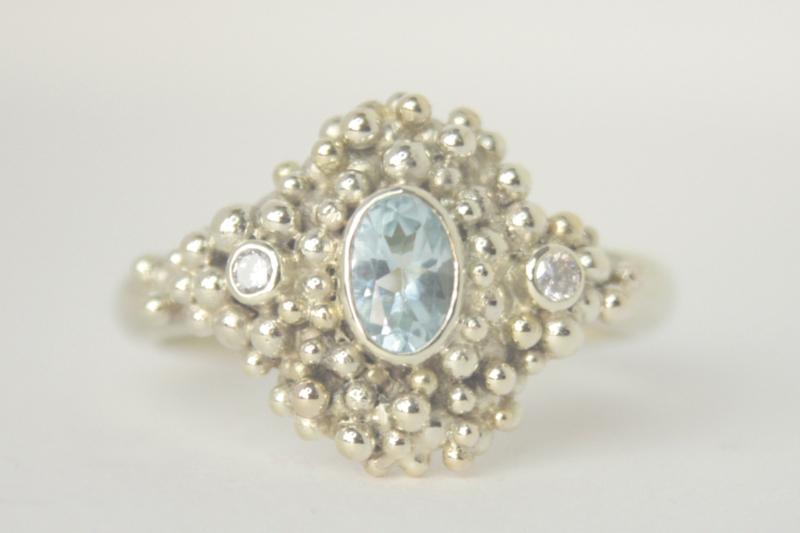 Bubbelring met Topaas en diamant