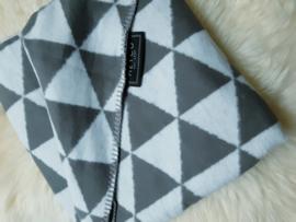 Ledikantdeken Meyco - triangle grijs 2