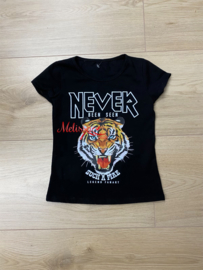 'Never' Meisjes T-shirt zwart.