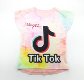 Regenboog tik tok T-shirt roze.