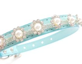 Blauw halsbandje met pareltjes - CYANA