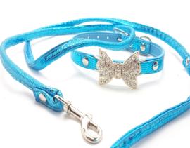 Blauw halsbandje met strikje en riem