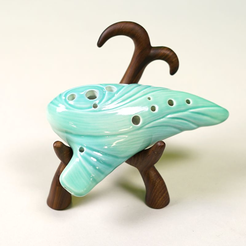 Ocarina Stand (Wood / Metallic)