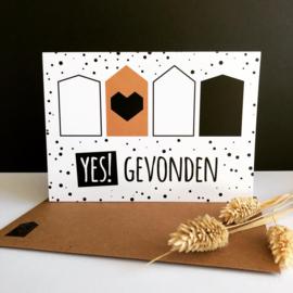 Dubbele wenskaart met envelop 'YES! gevonden'