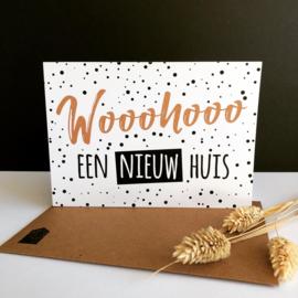 Dubbele wenskaart met envelop 'Wooohooo een nieuw huis'