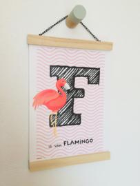 Dierenposter letter F is van flamingo (roze)