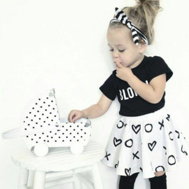 Speelkoffertje zwart witte poppenwagen