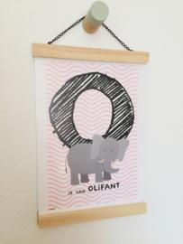 Dierenposter letter O is van olifant