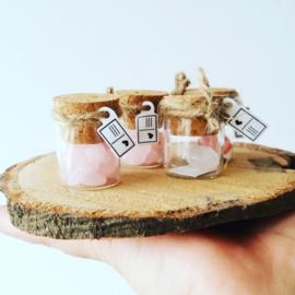 Flesje met mini edelstenen Tijgeroog hartje (recht flesje 3cm hoog)