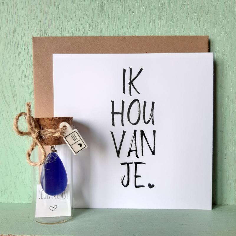 nr 3 | Pluimpje in flesje met Blauwe kattenoog hanger (2,5cm)