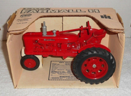 E00414DO CIH Farmall H