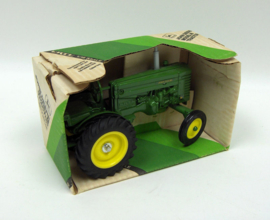 E00540DO JD M Tractor
