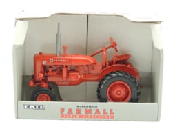 E00250DO CIH Farmall Super-A