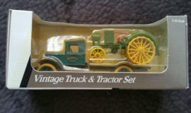b05768 Vintage Truck & Tractor Set