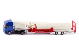 S03935 Mercedes Actros Truck met Windturbine