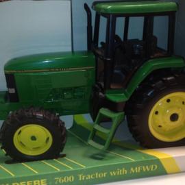 E05619 JD 7600 FWA Tractor