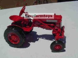 E00652 CIH Farmall CUB