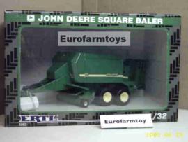B05082 John Deere Square Baler