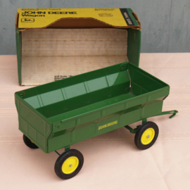 E00529 JD Flare Box Wagon