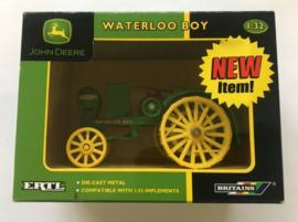 B15613  JD Waterloo Boy