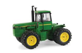 B45586 JD 8450 4WD