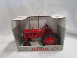 E00250DA CIH Farmall Super AV